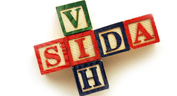 Sida : des traitements de moins en moins lourds
