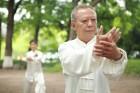 Les bienfaits du Tai Chi pour les personnes âgées souffrant de maladies chroniques