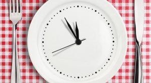 Dîner tard pourrait augmenter les risques de maladies chroniques