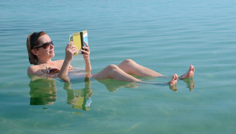 Psoriasis : 3 conseils pour profiter de l'été malgré la maladie