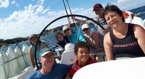 En voyage sur un voilier,  Nadia est parvenue à oublier son cancer