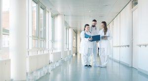 Considérer les patients comme des personnes à part entière