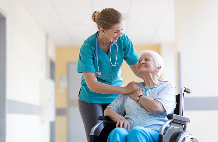 «Il faut comprendre les patients sans jamais les juger»