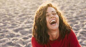 Rire pour chasser le stress et la morosité